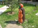 Скульптура - Ёжик с яблоком (средняя) :: Заказать изготовление скульптур из дерева, Вы можете по телефонам: 8 (495) 783-65-09, 8 (495) 518-64-87